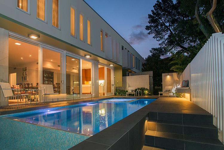 Best Residential Courtyard Pool 2015